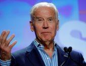 """مسئولة ديمقراطية تتهم """"جو بايدن"""" بتقبيلها ولمسها دون رغبتها"""