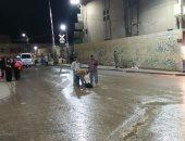 بالصور .. مياه الصرف الصحى تغمر مزلقان المديرية ببنى سويف