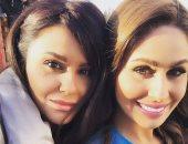 """مى سليم تنشر صورتها مع شقيقتها """"دانا"""" معلقة: """"أول مسلسل يجمعنا مع بعض"""""""
