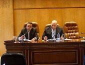 """بالصور.. النائب طارق حسانين باجتماع اللجنة الاقتصادية: """"نص موظفين البلد شمال"""""""