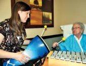 الاستماع إلى الموسيقى قبل الخضوع للجراحة يقلل التوتر