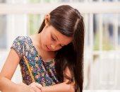 واجب المدرسة يعرض الطفل لمشاكل صحية وزيادة الوزن