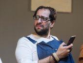 أحمد أمين يقدم فقرة ستاند أب كوميدى فى افتتاح مهرجان المسرح التجريبى