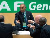 """رئيس """"كاف"""" يرحب بإقامة كأس الأمم فى الصيف.. ويطالب نجوم القارة بالدعم"""