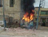 """بالفيديو.. اشتعال النيران بأحد محولات الكهرباء فى قرية """"إبستو"""" بالدقهلية"""