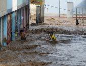 بالصور.. فيضانات عارمة تجتاح بيرو.. ونزوح عشرات الآلاف من منازلهم