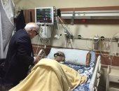 محافظ بورسعيد يزور قائد المقاومة الشعبية ضد الانجليز بالمستشفى العسكرى