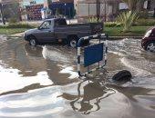 زحام مرورى بمحور كورنيش النيل بسبب كسر ماسورة مياه