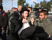 حريديم يعتدون بالضرب على جنود إسرائيليين: اخرجوا أيها النازيين