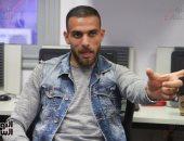 فيديو.. دويدار يستعين بابنتيه كندة وليندا لإقناع المصريين بالبقاء فى المنزل