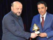 وزير الإعلام اللبنانى يكرم نظيره الكويتى لدوره فى تعزيز الحوار والتواصل