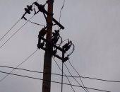 سكان عزبة نعمة الله بالشرقية يشكون من خطر تهالك الأعمدة الكهربائية