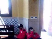 بالصور .. لاعبو المنتخب يؤدون صلاة الجمعة بفندق الإقامة بالإسكندرية