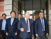 أحمد أحمد يغادر القاهرة 4 أبريل بعد حضور اجتماعات الكاف