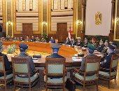السيسى يجتمع بقيادات الجيش والشرطة لمتابعة خطط ملاحقة الإرهاب بشمال سيناء
