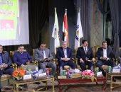 رئيس جامعة بنى سويف يحتفل باليوبيل الفضى للجوالة مع الطلاب