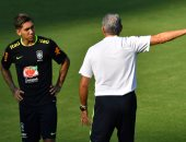 إلتهابات الحلق تُبعد فيرمينو عن مواجهة البرازيل وباراجواى