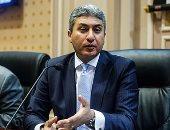 وزير الطيران يستقبل طائرة مصر للطيران الثالثة من طراز بوينج بمطار القاهرة