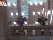"""بالفيديو..قبر أحمد زكى بلا زوار..ورسالة على الباب:""""بر الوالدين يا هيثم"""""""