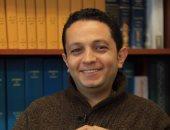 """تطبيق إحدى التجارب العلمية على الإعلامى أحمد فايق فى برنامج """"مصر تستطيع"""""""