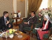وزير التعليم العالى يؤكد تعزيز التعاون بين الجامعات المصرية والبريطانية