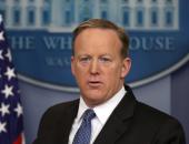 المتحدث باسم البيت الأبيض السابق متهم بسرقة ثلاجة صغيرة من الرئاسة