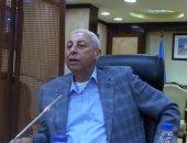 محافظ أسوان يعقد اجتماعا بالمسئولين لوضع آلية لاستثمار الأراضى المستردة