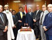 """بالصور.. السفير الهندى بالقاهرة: وضع إعلانات """"اصنع فى الهند"""" بــ35 محطة مترو"""