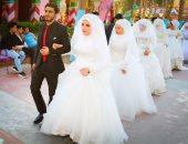 """بالصور.. حفل زفاف جماعى لـ 104عريس وعروسة من الأيتام فى """"دريم بارك"""""""