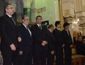 زحام شديد بعزاء الناقد سمير فريد فى مسجد عمر مكرم
