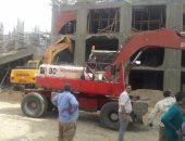 بالصور.. إزالة 3 عقارات مخالفة تحت الإنشاء بحى دار السلام فى القاهرة