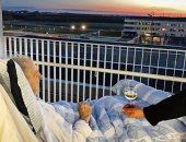 مستشفى دنماركى يلبى الأمنية الأخيرة لمريض قبل وفاته.. سيجارة مع كأس نبيذ
