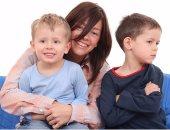 للأمهات.. كيف تتفادى غيرة طفلك الأول من شقيقه الأصغر؟