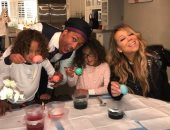 ماريا كارى ونيك كانون يجتمعان من أجل قضاء عيد الفصح مع طفليهما