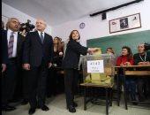 رئيس حزب الشعب الجمهوري المعارض يدلى بصوته فى استفتاء تركيا