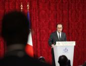 فرنسوا هولاند يدعو لسحب قانون الأمن الشامل المثير للجدل لحقن العنف