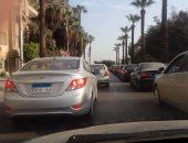 زحام مرورى أعلى كوبرى التونسى بسبب تعطل أتوبيس نقل عام