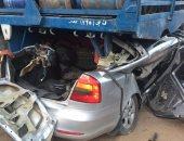 توقف حركة المرور فى مدينة 15 مايو بسبب حادث تصادم سيارتين