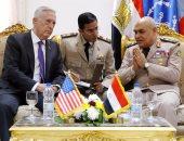 وزير الدفاع لنظيره الأمريكى: توحيد الجهود الدولية الرامية للقضاء على الإرهاب