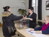 بالصور.. بدء التصويت فى انتخابات الرئاسة الفرنسية بأقاليم ما وراء البحار
