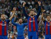 ميسي يحسم الكلاسيكو 3/2 ويعيد برشلونة لمزاحمة ريال مدريد على الدوري