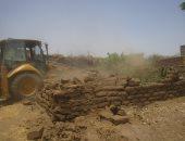 إزالة 22 حالة تعدى على الأراضى الزراعية بمركزى سمسطا والفشن ببنى سويف