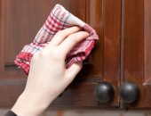 سؤال فى المطبخ..إزاى تنضفى مطبخك الخشب وترجعيه بيلمع؟