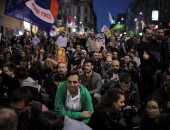بالصور.. الآلاف يحتجون ضد حكومة صربيا فى شوارع بلجراد