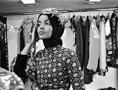 بالصور.. حليمة عدن أول عارضة أزياء عالمية محجبة بطلة أحدث أعداد مجلة فوج
