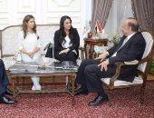 """بالفيديو والصور.. غادة عبد الرحيم على: مبادرة """"ولادها سندها"""" أول من ساندت فتاتى عربة البرجر"""