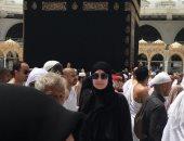 """غادة عبدالرازق تنشر صورها أمام الكعبة.. وتعلق: """"الحمد لله يا رب"""""""