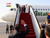بالفيديو والصور.. الرئيس السيسي يودع البابا فرانسيس بمطار القاهرة بعد زيارة استمرت يومين