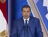 القوى العاملة تتابع أحوال المصريين العاملين فى قطر