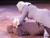ربة منزل بالشرقية تلقن مغربية علقة ساخنة لزواجها من طليقها